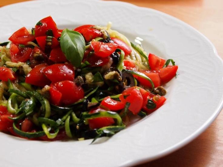 Grüne Liebe: Rohe Spaghetti alla checca nach Mimi Kirk