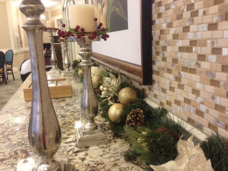 Decorating homes and biz for the Holidays in Toronto.  www.deckyourhalls.ca