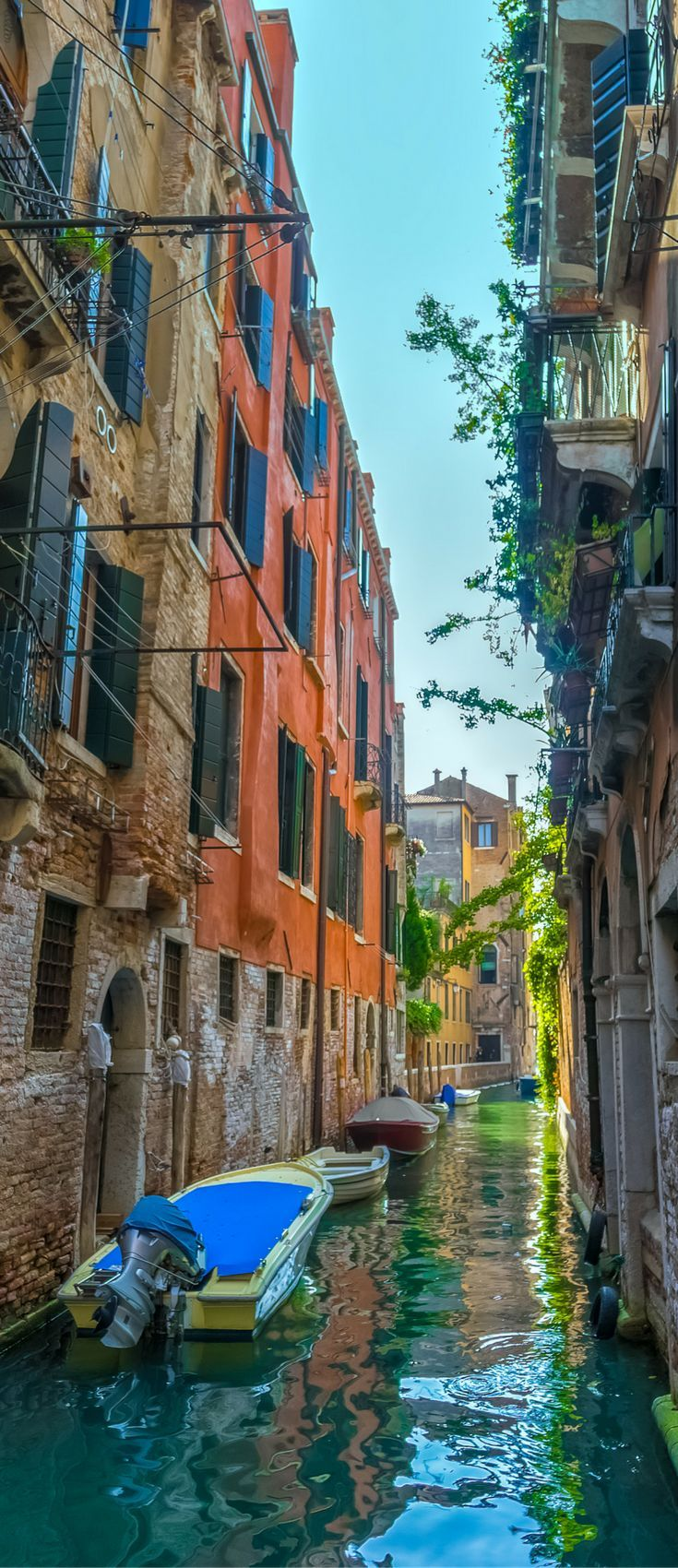 Italy is one of the top 10 most popular places to honeymoon. Find out what the other 9 are! Click through to see them all!
