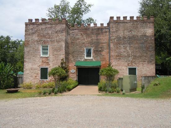 Castle Restaurant at Dunleith Plantation in Natchez MS