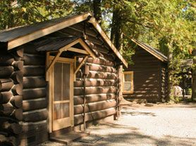 Glacier National Park Lodging : Apgar Village Lodge (Cabins & Motel)