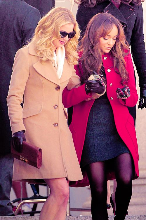 revenge: emily vancamp as emily thorne and ashley madekwe as ashley davenport