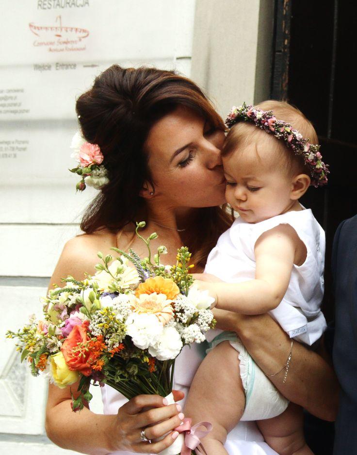 #kwiatownia #wreath #kids #beauty #facetagram #weeding #slub #bride #bridesmaid #decor #decorations #white #head #jewellery #flowers #love #instagram #flowersoftheday #kwiatownia #floral #florystyka #kids fot.A.Szygenda