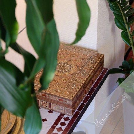 Magnifique boîte en marqueterie pour bijoux et autres objets précieux ! #boite #boiteabijoux #marqueterie #artisanat #ebenisterie