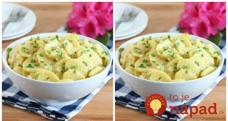 Vyskúšali sme ho minulý rok a už si sviatky bez neho nevieme predstaviť: Bavorský zemiakový šalát bez majonézy, po ktorom vám nebude ťažko!