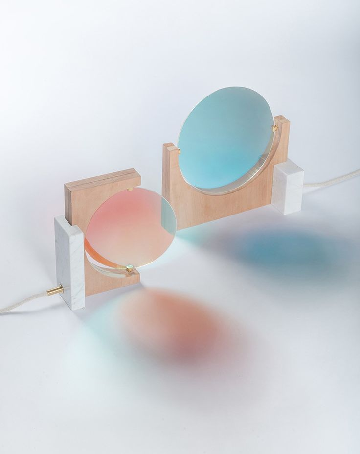 Éléonore Delisse designed a light that rebalances our daily cycle. She created this light as a part of her design academy Eindhoven graduation project. A dichroic glass rotates alongside a lamp to project the colours we need to rebalance our circadian rhythm