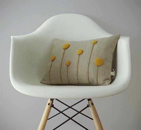 die besten 25 filz blumen kissen ideen auf pinterest blumenkissen filzpolster und kissen. Black Bedroom Furniture Sets. Home Design Ideas