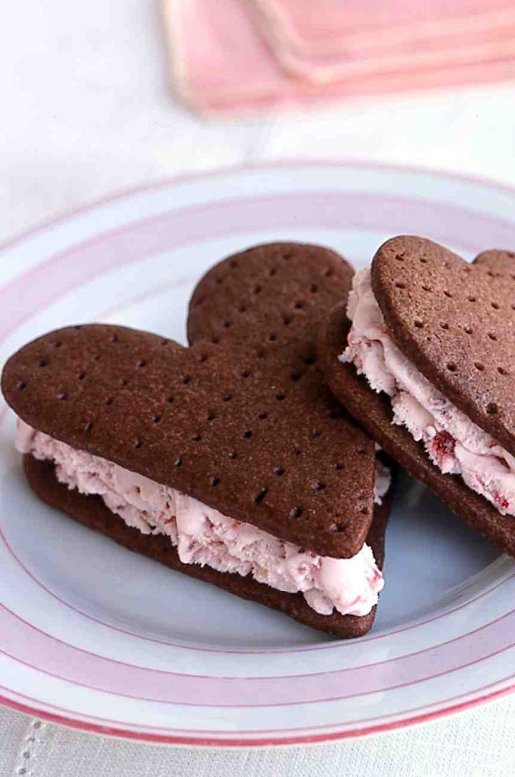 Ice cream sandwiches for Valentines Day.