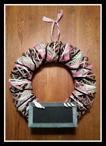 Made by ME!  Kransen gemaakt van diverse linten, stof en materialen.
