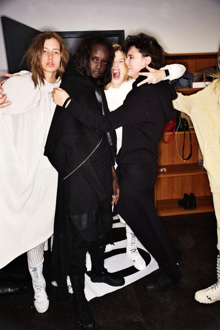 http://www.sonnyphotos.com/2016/06/ten-pieces-ss1617-fashion-show-sydney-backstage