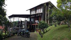 Villa Revin Murah Nyaman Minimalis Di Lembang | Sewa penginapan villa murah lembang villa istana bunga