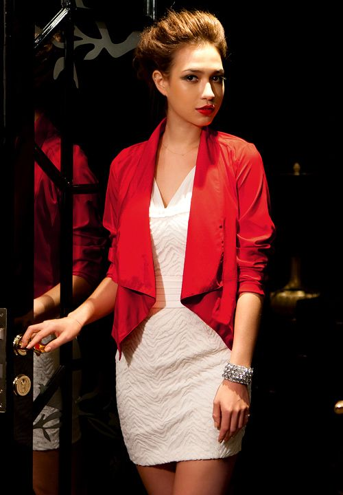 Cheap Wholesale Fashionable Red Cotton Asymmetrical Hem Long Sleeve Short-Length Blazer