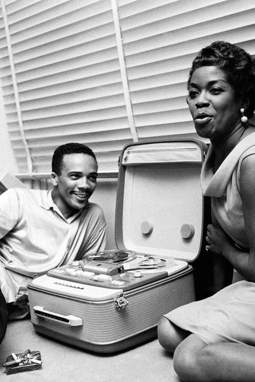 Quincy Jones and Sarah Vaughan, Paris, photographed by Jean-Pierre Leloir 1958. #vinyl #records #recordcollection
