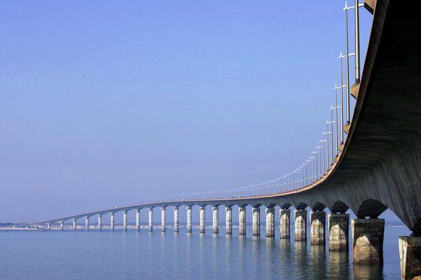 Le pont qui relie La Rochelle et l'Ile de Ré.