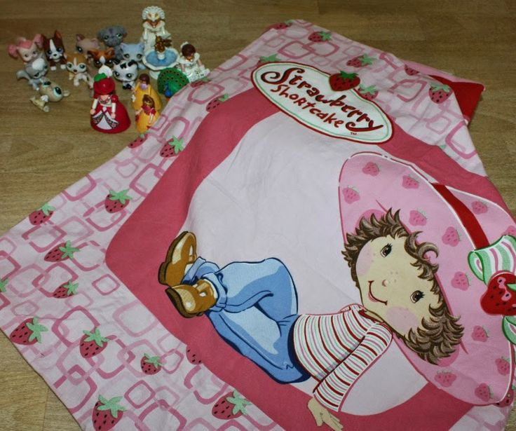 Yard Sale Finds Sold on Ebay: Cute Playmobil Princesses with Hoop Skirts
