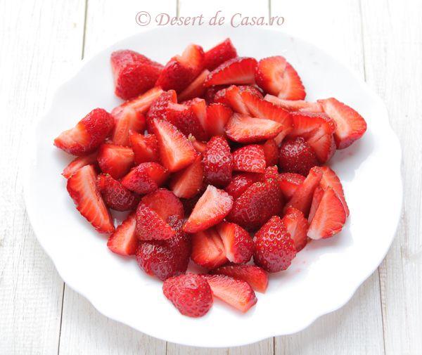 prajitura cu iaurt si capsuni (5)