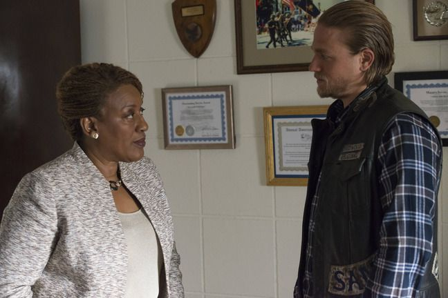 C.C.H. Pounder and Charlie Hunnam in 'Sons of Anarchy'