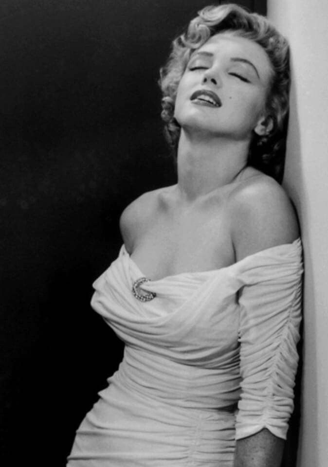 1142 best images about my marilyn on pinterest norma jean actor studio and joe dimaggio. Black Bedroom Furniture Sets. Home Design Ideas