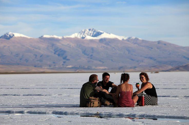 Charlas + Mates en Salinas Grandes, #Jujuy. Más info en www.argentina.tur.ar  #ArgentinaEsTuMundo #Viajes #NorteArgentino