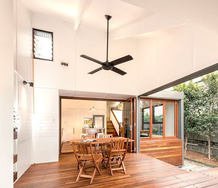 East Brisbane Renovation | Outdoor Dining Deck | Queensland Australia | Smith Architects
