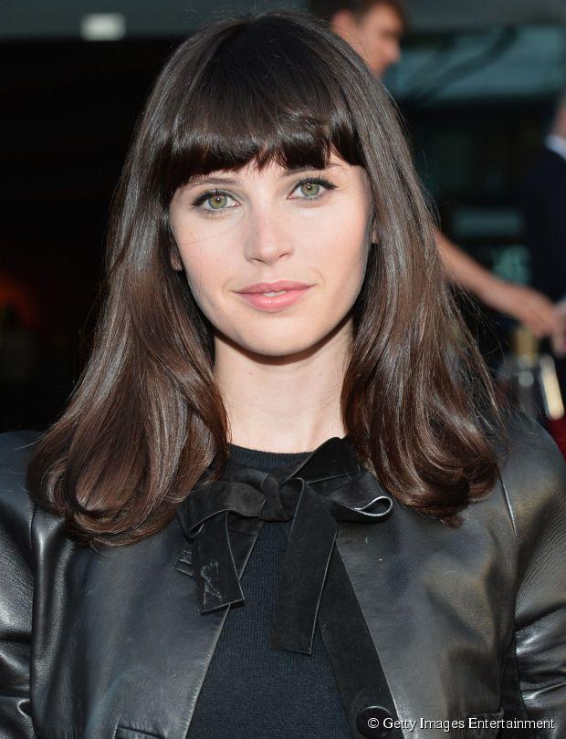 """Atriz de """"The Bling Ring"""", Felicity Jones usa um modelo de franja cheia"""