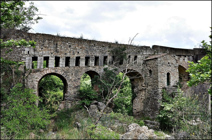 Stone bridge and #byzantine chapel in Karytaina (Karitena) Peloponnese #Greece