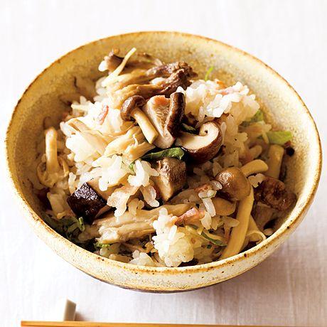 干しきのことベーコンの炊き込みご飯 | ワタナベマキさんのごはんの料理レシピ | プロの簡単料理レシピはレタスクラブニュース
