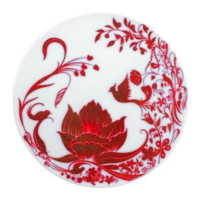I love this lotus plate with the little phoenix. I think I'd like to somehow turn the design into a tattoo.