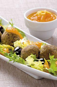 Polpettine di ceci alle olive in salsa aromatica di carote