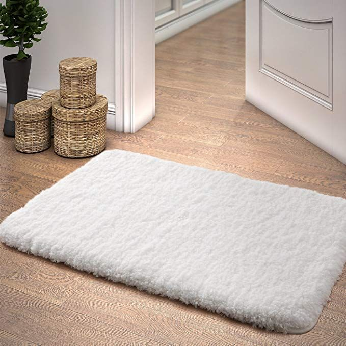 Amazon Com Lifewit Bath Mat White Bathroom Rug Soft Shag Water Absorbent With Non Slip Rubber 20 X 32 Home Kitchen Bathroom Rugs Bath Rugs Shower Rugs
