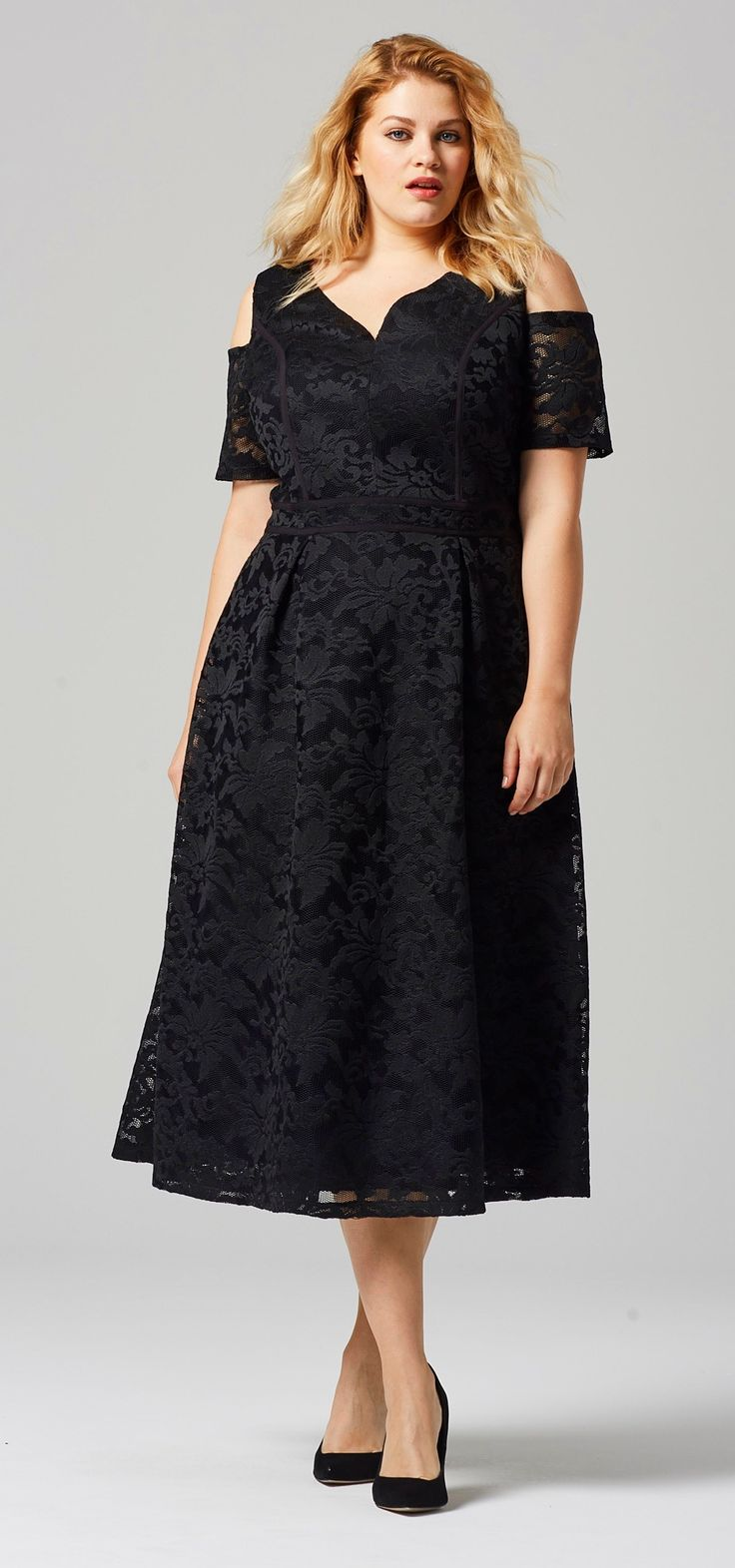 Black dress guest wedding - 45 Plus Size Wedding Guest Dresses With Sleeves