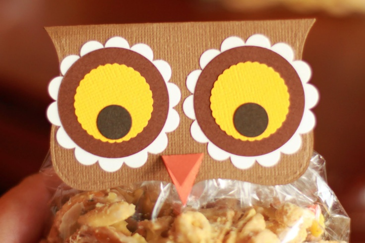 cute treat topper: Teacher Gifts, Birthday Treats, Wip Blog, Snacks Bags, Owl Treats Bags, Fall Things, Owl Inspiration, Bags Toppers, Owl Bags