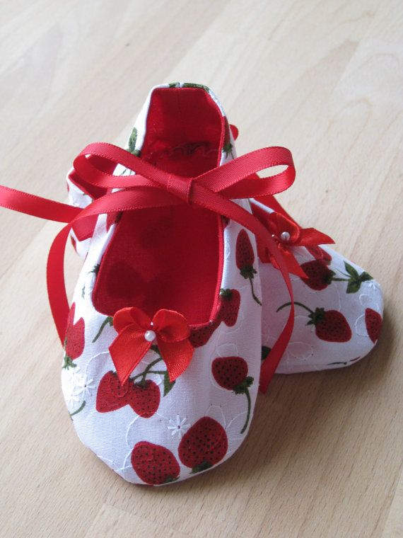 Handmade baby shoes. by LittleShoeLove on Etsy, $12.00