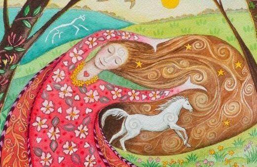 mujer inclinada con caballo