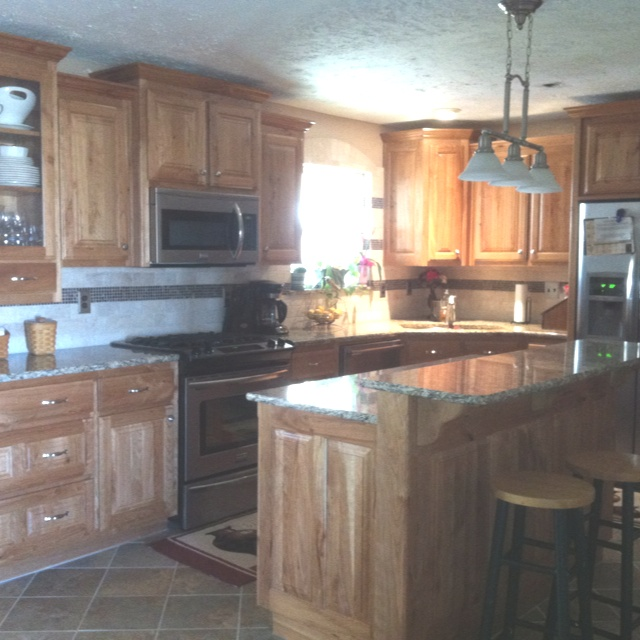 Kitchen Remodel Cherry Cabinets: 25+ Best Ideas About Rustic Cherry Cabinets On Pinterest