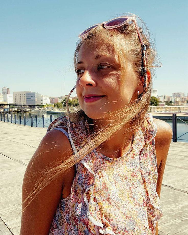 Mirando al mar soñé que estabas junto a mí mirando al mar sólo sé que sentí Mirando al mar - Jorge Sepulveda  #retratandoelalma #igerssevilla #igersspain #igersandalucia #instagramers #igers #somosinstagramers #primerolacomunidad #communityfirst