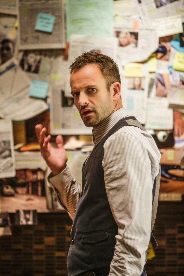 I really do LOVE Johnny Lee Miller's Sherlock!