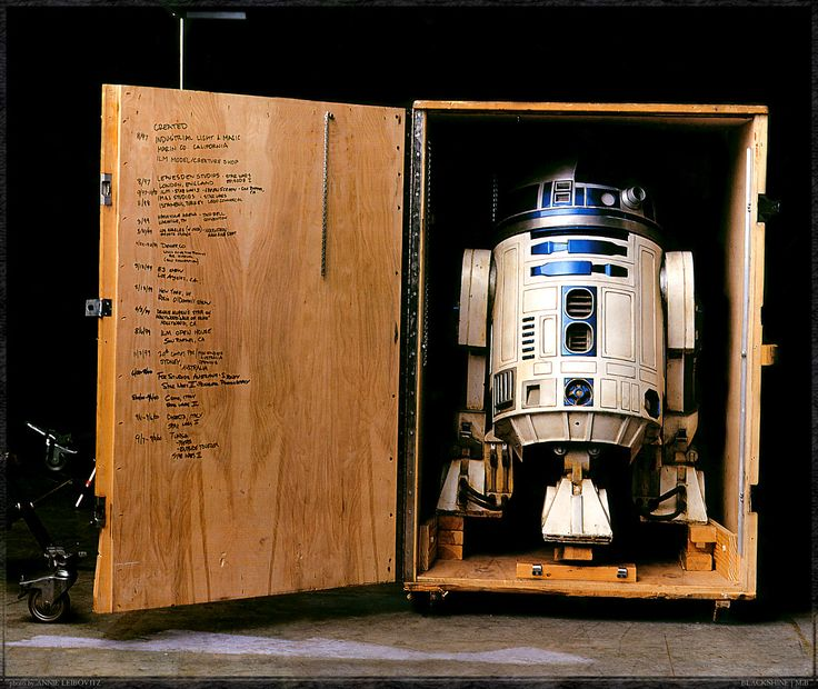 R2D2  photo: Annie Leibovitz: Stuff, Stars, Annieleibovitz, R2D2, Star Wars, Annie Leibovitz, R2 D2, Photo, Starwars