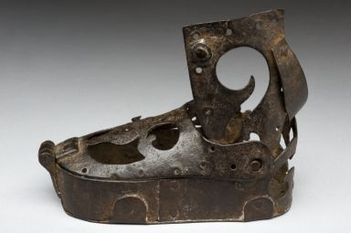 ☤ MD ☞☆☆☆ 16th century iron orthopedic boot. About as comfy looking as the ones we have today!