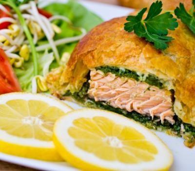 Запеченный лосось в тесте - рецепты с фото