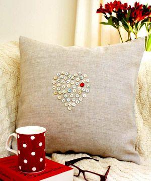 Button heart pillow