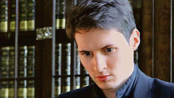Programovat se Pavel Durov naučil na střední škole, kde na školní web umístil karikaturu neoblíbené učitelky.