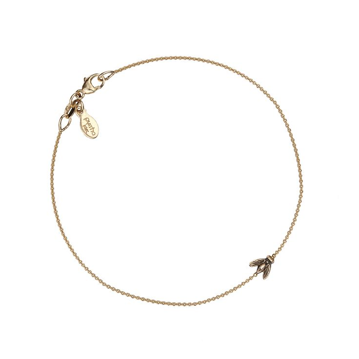 #Bee symbol 14k #gold chain #bracelet Bees are symbolic of hard work. Delicate and #charming, this chain bracelet is can be easily layered. #Pyrrha talismans are cast using authentic #wax seals and imagery from the #Victorian era. With symbolic meaning culled from heraldry each piece is designed to inspire the wearer. #Handcrafted in #Vancouver, #Canada. [...]