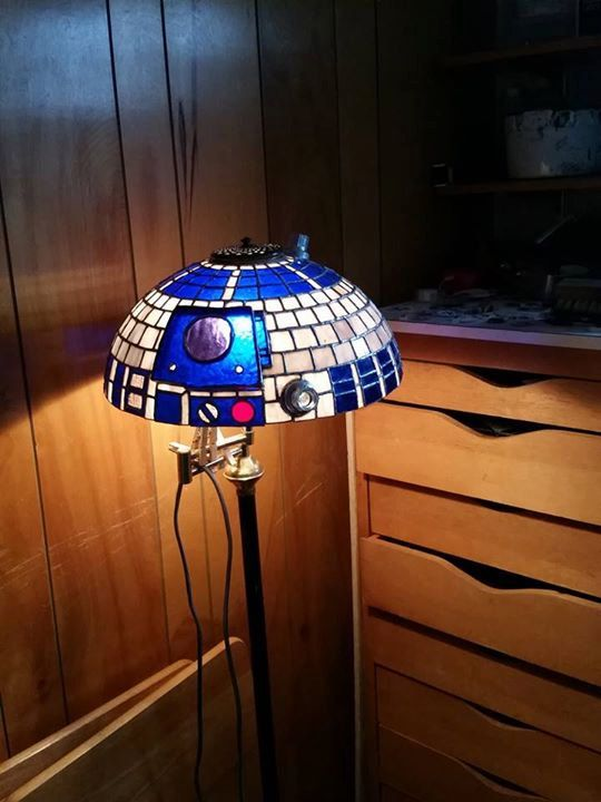Star Wars R2D2 Tiffany style lamp shade