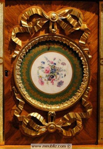 NOEUD DE RUBAN : motif récurrent dans l'ornementation Louis XVI