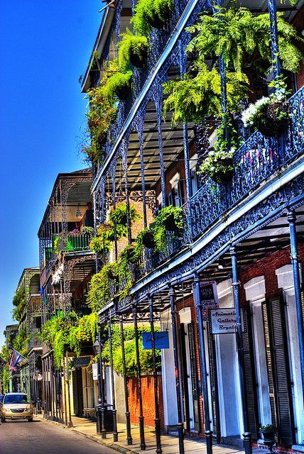 Royal Street in the French Quarter, New Orleans, Louisiana | #travelingTOMS