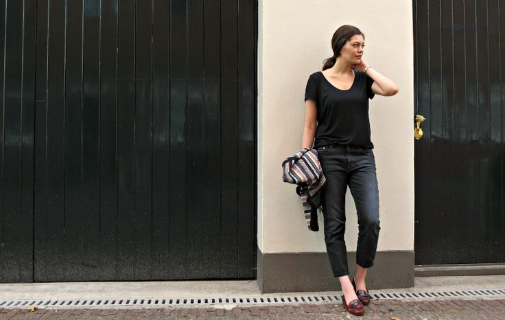 All black outfit black boyfriend jeans everydayCHIC