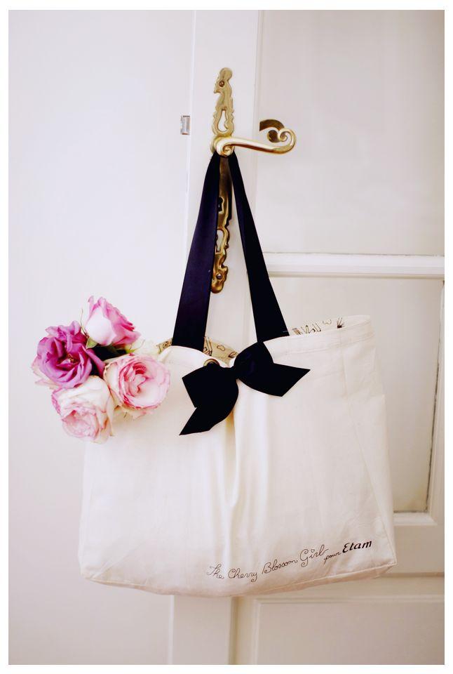 cherry blossom girl: Grocery Bags, Burberry Handbags, Cherries Blossoms Girls, Totes Bags, Black White, Farmers Marketing, Bows, Flowers, Pretty