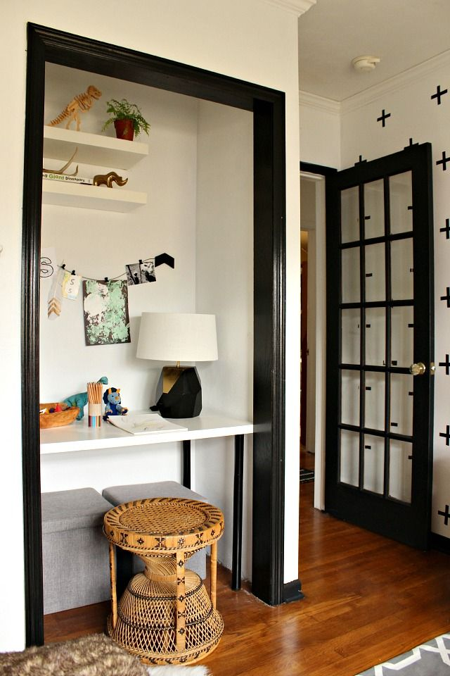 Closet turned art nook in this modern kid room makeover.