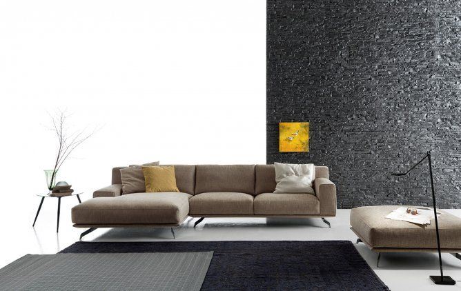 Grandeur, elegance, simplicity or lightness. Dynamic but not excessive: the two key features for a sofa with armrests in two sizes, with two solutions for the back. One has a full-length back cushion (Dalton), and one has scatter cushions in different sizes for the backs (Dalton Soft).